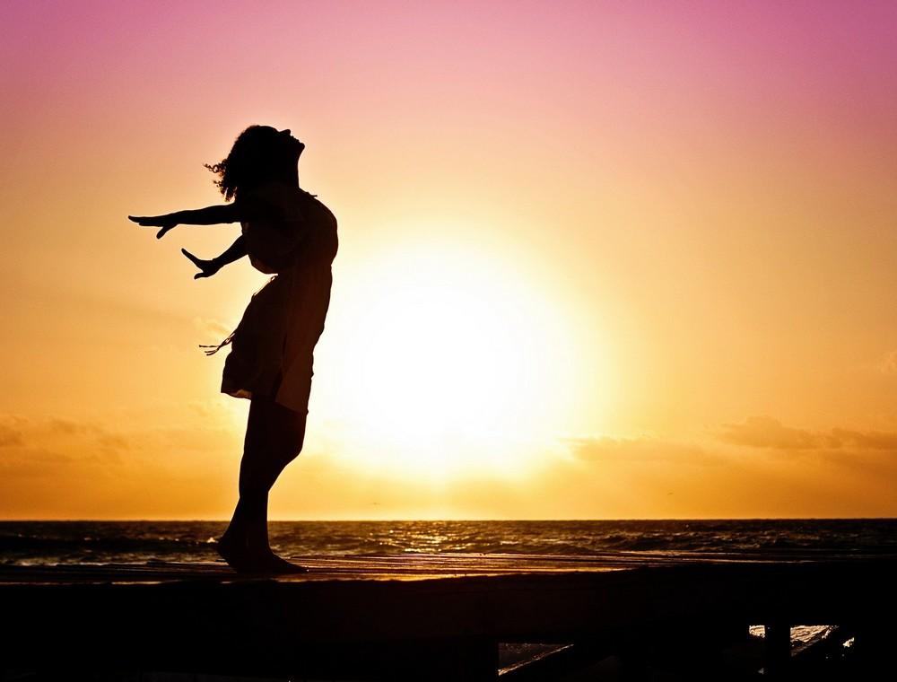 疲労回復、CBD, 慢性疲労、疲労回復、免疫力、精神疲労、ネガティブ、リラックス効果、ストレス、自律神経、ブルーライト、カンナビノイド欠乏症、慢性疲労症候群、睡眠障害、CAMYUCBD, チャガ、霊芝
